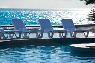 Image du renaissance ocean suites balcony offert par VosVacances.ca