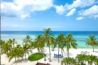 Image du coconut court beach hotel balcony offert par VosVacances.ca