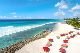 Image du ocean two resort and residences beach offert par VosVacances.ca