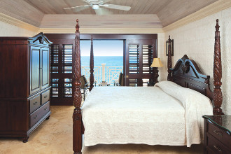 Image du the crane resort balcony offert par VosVacances.ca