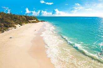 Image du the crane resort beach offert par VosVacances.ca