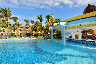 Image duO GUILLETMO iberostar daiquiri pool offert par VosVacances.ca