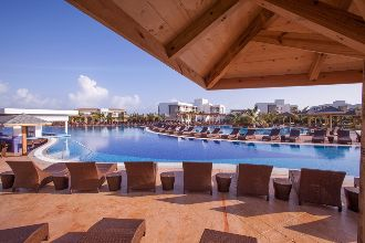 Image principale de l'hôtel Iberostar Playa Pilar offert par VosVacances.ca