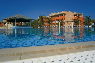 Main image of the Hotel Playa Paraiso offered by YourVacations.ca