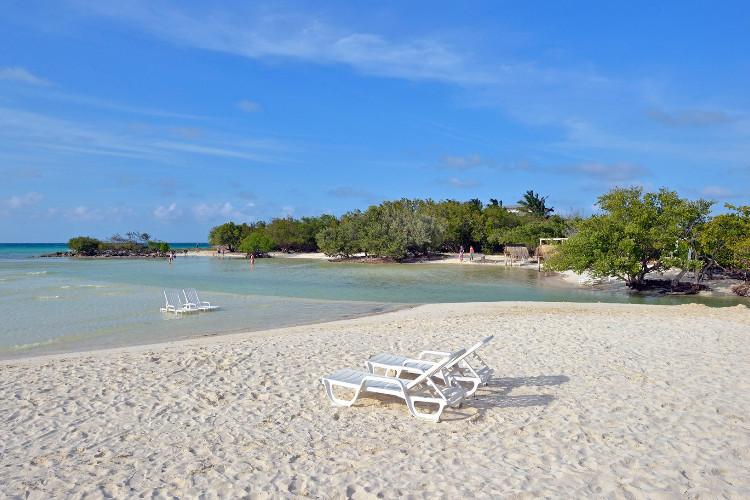 Image du sol cayo coco beach offert par VosVacances.ca