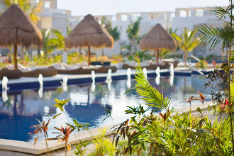 Image du beloved playa mujeres by excellence group balcony offert par VosVacances.ca