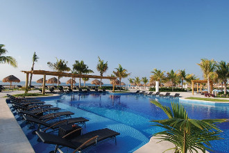 Image du blue bay grand esmeralda golf offert par VosVacances.ca