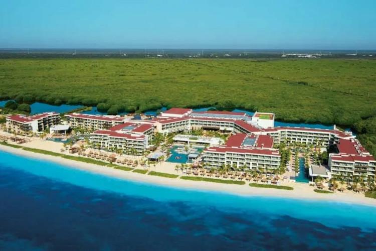 Image principale de l'hôtel Breathless Riviera Cancun offert par VosVacances.ca