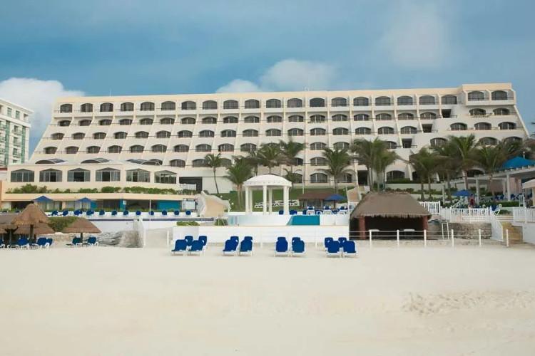 Image principale de l'hôtel Golden Parnassus offert par VosVacances.ca