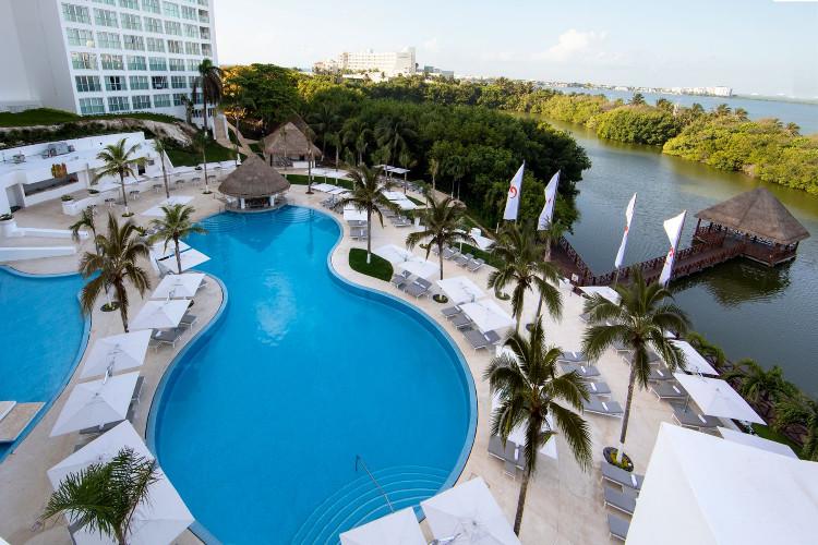 Image du le blanc balcony offert par VosVacances.ca