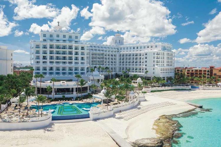 Image principale de l'hôtel Riu Las Americas offert par VosVacances.ca