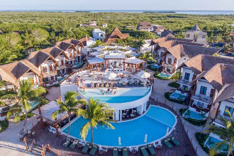 Main image of the Villas Hm Palapas Del Mar offered by YourVacations.ca