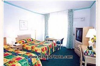 Image du days hotel thunderbird  ex best western  beach offert par VosVacances.ca