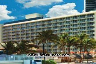 Image principale de l'hôtel Newport Beachside Resort offert par VosVacances.ca
