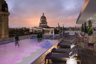 Main image of the Gran Hotel Manzana Kempinski offered by YourVacations.ca