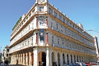 Image principale de l'hôtel Plaza offert par VosVacances.ca