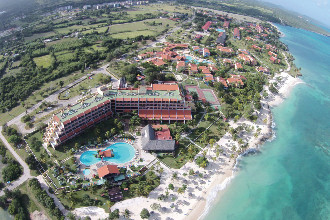 Main image of the Brisas Guardalavaca offered by YourVacations.ca