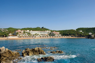 Main image of the Dreams Huatulco offered by YourVacations.ca