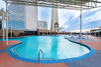 Image du stratosphere casino hotel and tower balcony offert par VosVacances.ca