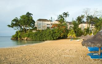 Image du couples sans souci balcony offert par VosVacances.ca