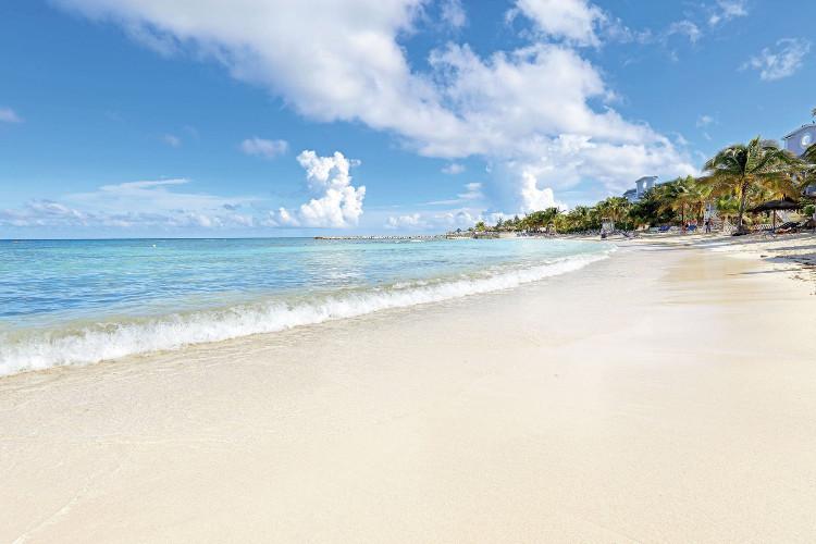 Image du grand palladium jamaica beach offert par VosVacances.ca
