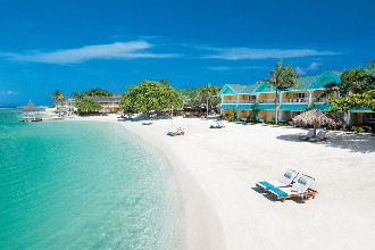 Image du sandals royal caribbean balcony offert par VosVacances.ca
