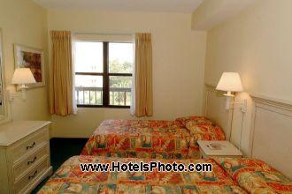 Image du enclave suites pool offert par VosVacances.ca