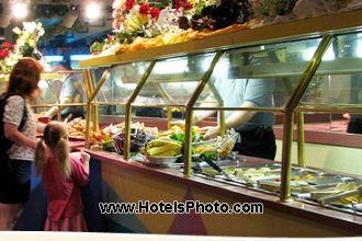 Image du seralago maingate east restaurant offert par VosVacances.ca