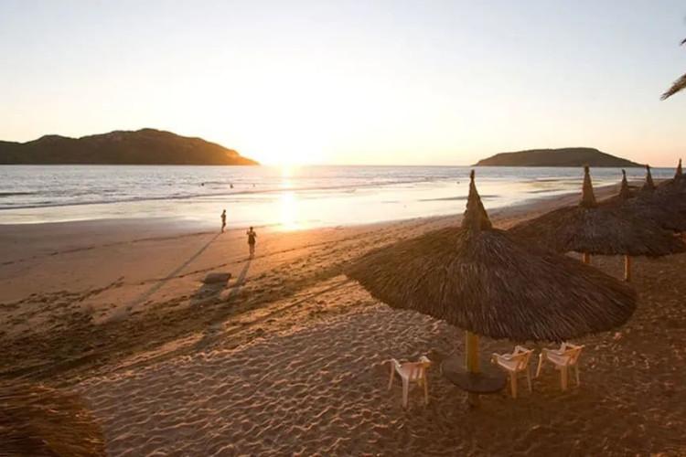 Image du las flores beach resort balcony offert par VosVacances.ca
