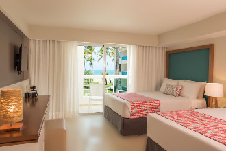 Image du emotions playa dorada beach offert par VosVacances.ca