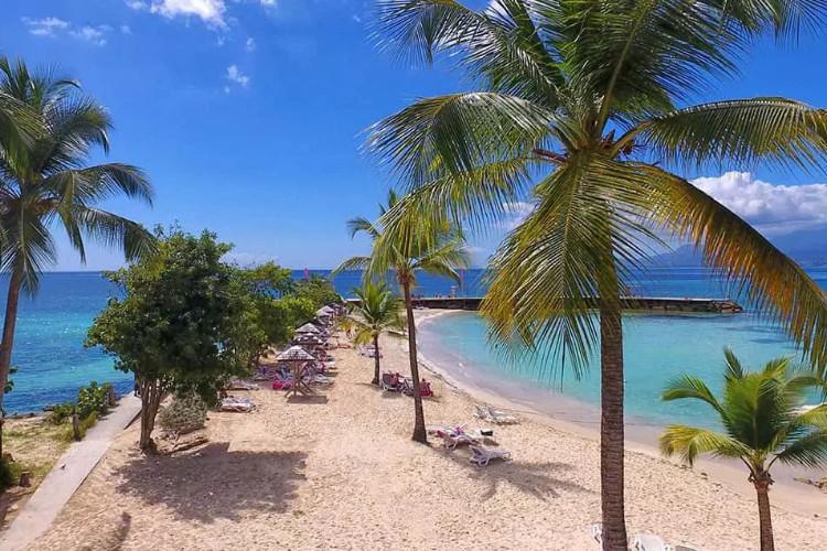 Image du mahogany hotel residence and spa balcony offert par VosVacances.ca