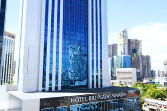 Image principale de l'hôtel Riu  Plaza offert par VosVacances.ca