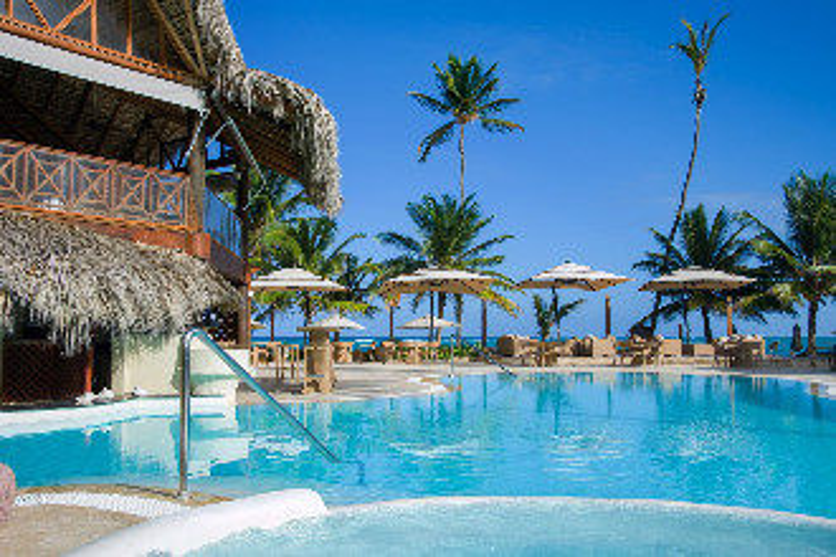 Image du vik hotel cayena beach beach offert par VosVacances.ca