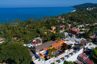 Main image of the El Pueblito De Sayulita offered by YourVacations.ca