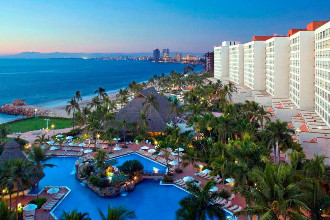 Main image of the Sheraton Buganvilias offered by YourVacations.ca