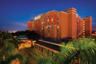 Main image of the Embassy Suites By Hilton offered by YourVacations.ca