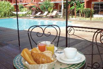 Image du palm court hotel garden offert par VosVacances.ca