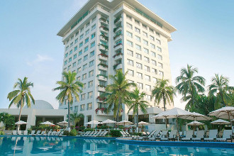 Main image of the Emporio Ixtapa offered by YourVacations.ca