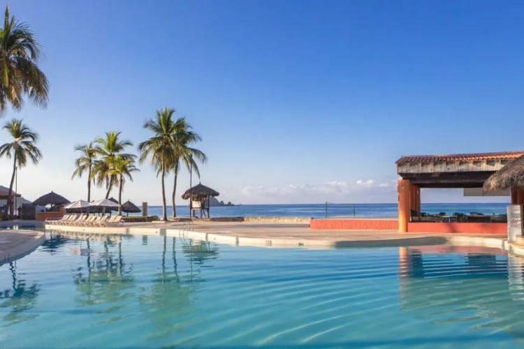 Image du holiday inn ixtapa balcony offert par VosVacances.ca