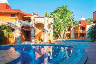 Main image of the Villa Mexicana offered by YourVacations.ca